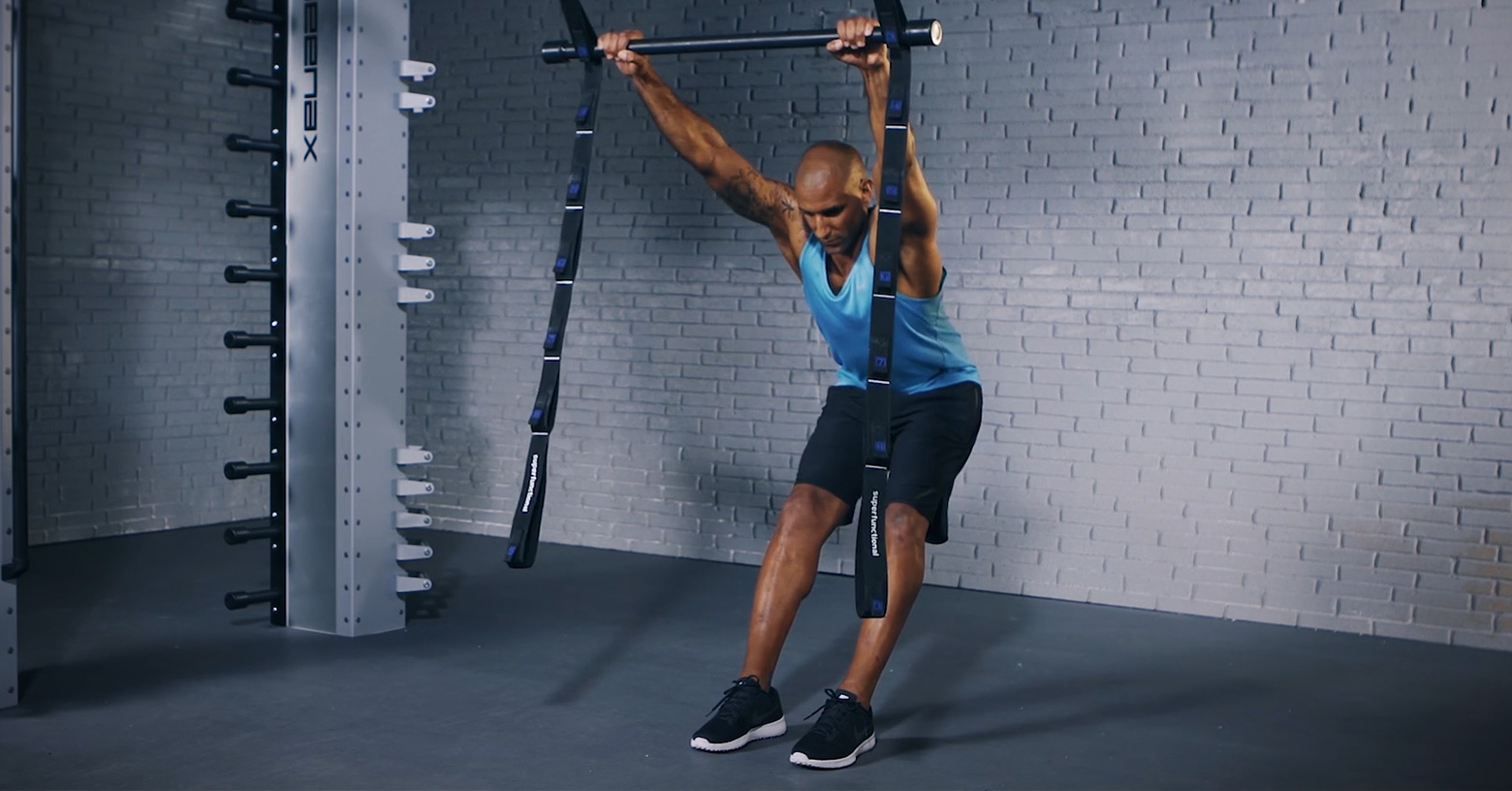 Superfunctional Y - Superfunktionelles Y - Y Super fonctionnel - EVO Fitness