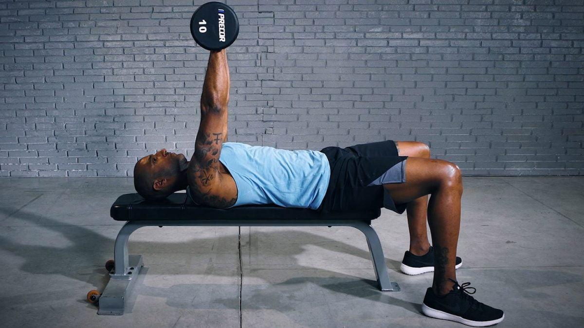 dumbbell chest press - développé-couché avec haltères - Dumbbell Chest Press - EVO Fitness