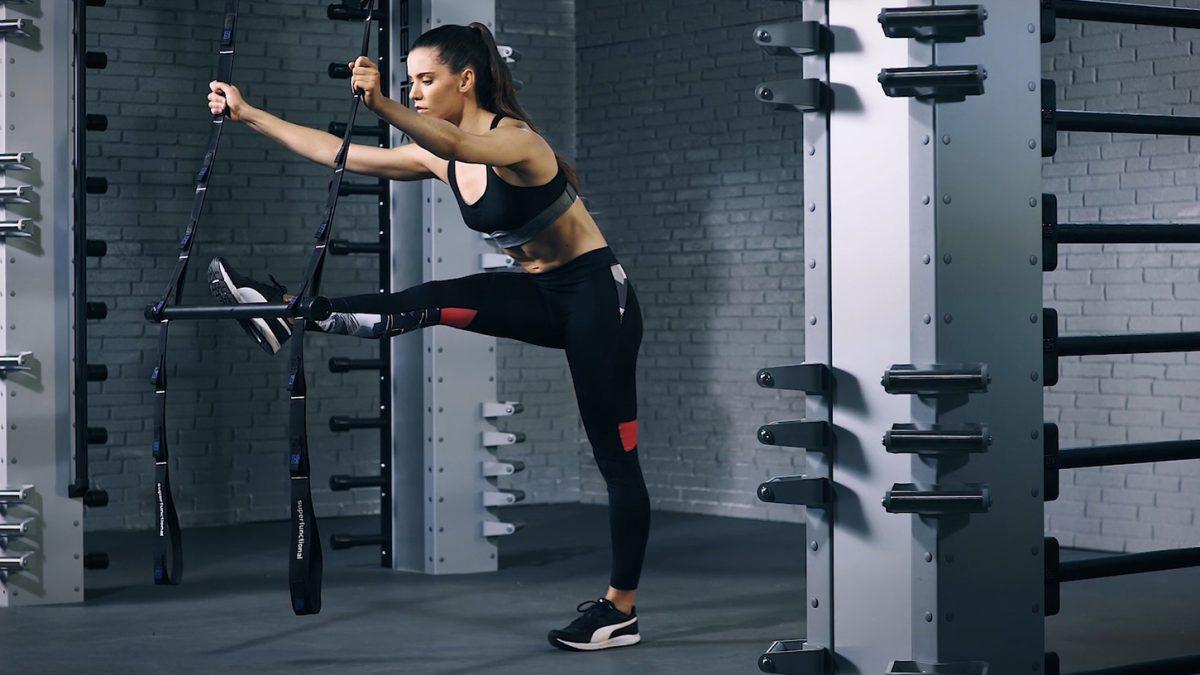 hamstring stretch - étirement-des-ischio-jambiers - Oberschenkeldehnung - EVO Fitness