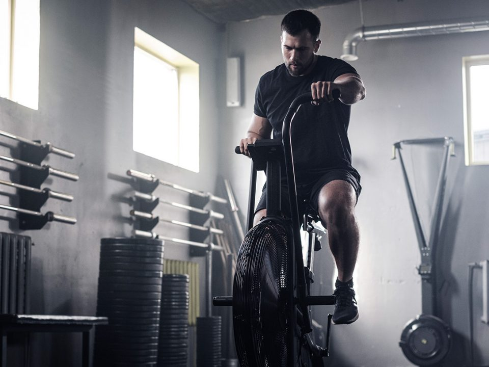 Cardio vor oder nach dem eigentlichen Workout - Cardio avant ou après l'entraînement - Cardio before or after workout - EVO Fitness