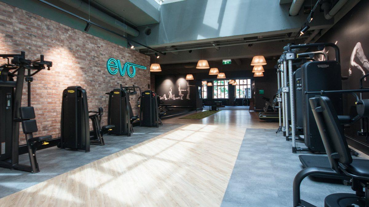 Gyms haben wieder geöffnet - les salles se sport ont réouvert - gyms have reopened - EVO Fitness